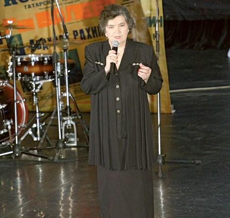 Флүрә Сөләйманова