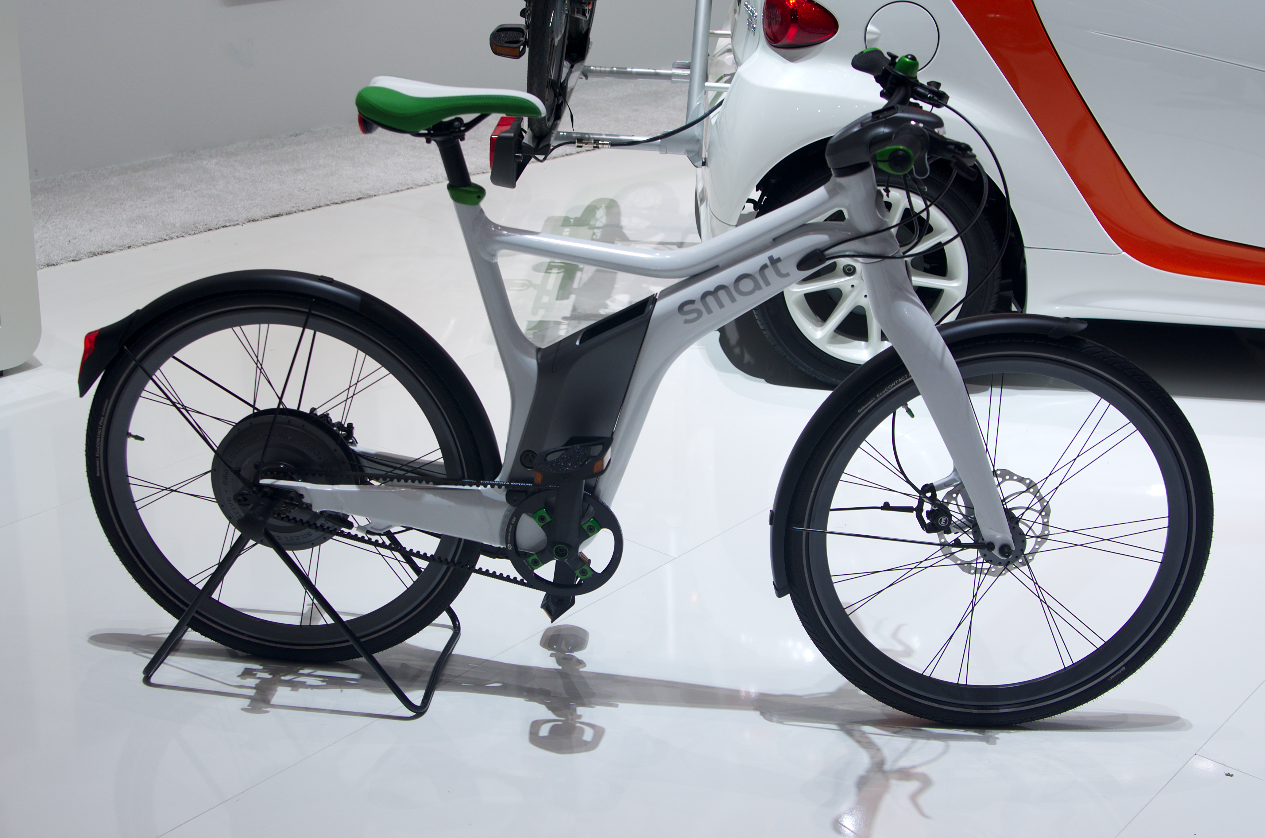 Smart electric bike left view